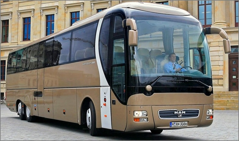 The new MAN Coach Lion's Coach L Supreme as top variant of the well established model range comes with all luxury as a three axle version with MAN D26 engine (480 hp) at busworld in Kortrijk 2007. DE: Der neue MAN Reisebus Lion's Coach Supreme L debuetiert auf der busworld 2007 in Kortrijk als Dreiachser mit allem erdenklichen Komfort und 480 PS MAN D26 Motor. UK: The new MAN Coach Lion's Coach L Supreme as top variant of the well established model range comes with all luxury as a three axle version with MAN D26 engine (480 hp) at busworld in Kortrijk 2007.