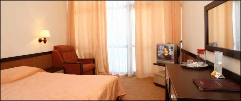 hotel_4778_3_2h_mestniy_standartniy_nomer