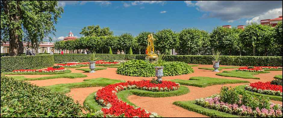 reg_Monplaisir_garden_in_the_Lower_Park_of_Peterhof_01