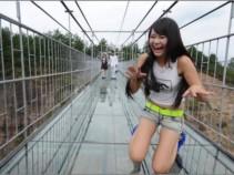 Самый стеклянный мост в мире