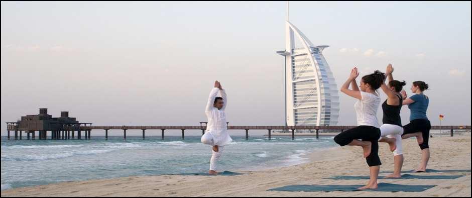 Talise Spa - йога на пляже