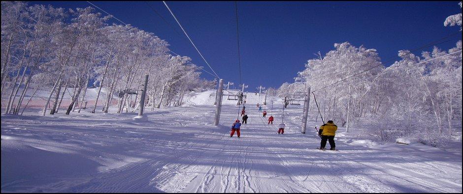 Необычайная красота Уральских гор в Абзаково тур из Кирова.