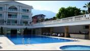 Оптимальное сочетание «цена-качество» отель «Belrose Beach Hotel». Цены от 14000 рублей.