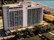 """""""Гранд отель""""  отличный отель после реновации со своим пляжем."""